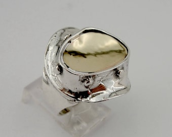 Hadar Handcrafted 9K Yellow Gold Silver Ring size 6 (h126