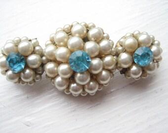 Vintage glass pearl brooch, vintage turquoise brooch, faux pearl brooch, pearl rosette brooch, beaded pearl brooch, faux pearl pin