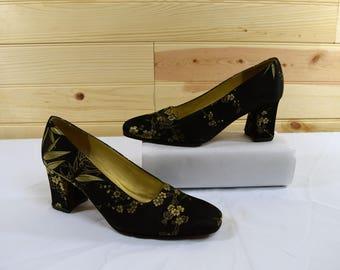 Ann Marino Vintage 90s Black & Gold Floral Pattern Chunky Heel Pumps Size 6M