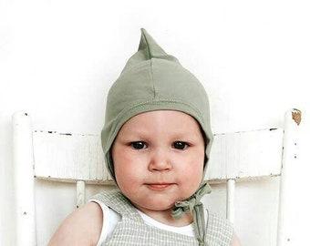 Bonnet de lutin pointu vert sauge de chapeau