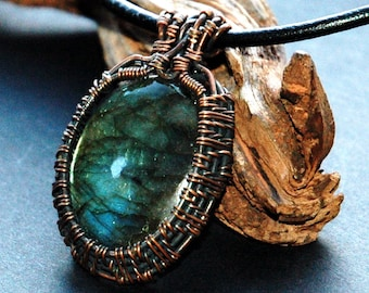 Labradorite Pendant Framed with Antiqued Copper Wire Weave Pattern, Wire Wrapped Cabochon Pendant, Mothers Day Gift, Wire wrapped necklace