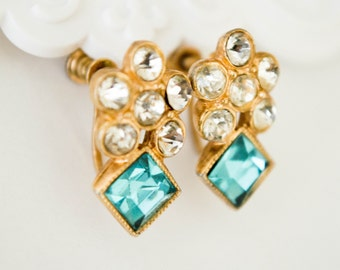 Vintage Goldtone Earrings with Light Blue Aquamarine color Stone and Crystals-Vintage earrings-Vintage Screw back earrings-FREE SHIPPING!