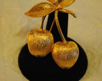 Sarah Coventry Brooch gold colored cherries on stem