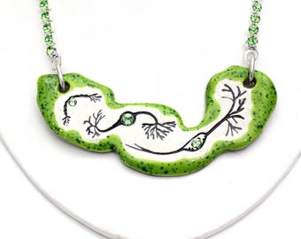 Neuron Sparkle Surly Ceramic Necklace with Green Rhinestone Chain