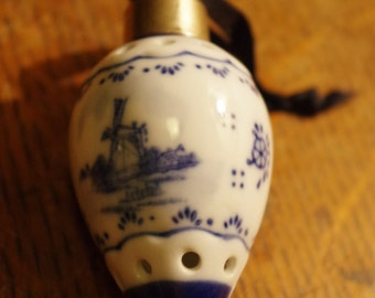 Delft Porcelain Potpourri Fragrance Vessel