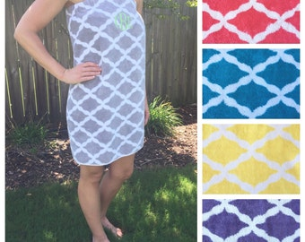 Size XS-L: Gray and White Quatrefoil SPA WRAP/ Bath Wrap/ Towel Wrap/ Bridesmaid Gift