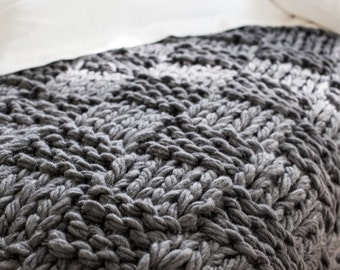 Chunky Knit Throw Blanket Pattern (Arm Knitting)