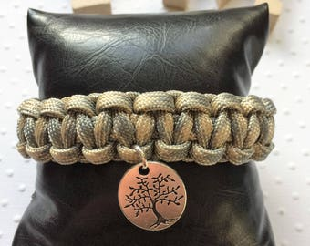 "Grey and beige Paracord Bracelet / / tree charm ""Life is a gift"""
