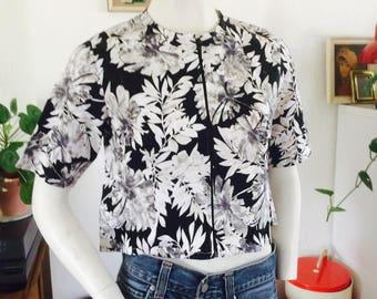 Cropped jacket  vintage cropped top   vintage blouse   vintage blazer   size xs   cropped top   flowertop   black and white top   vintage