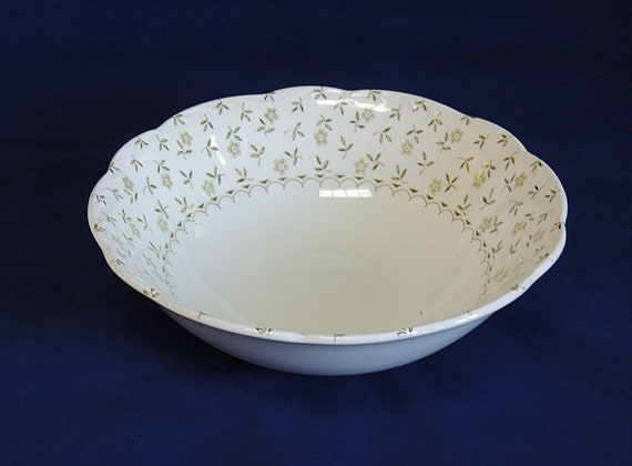 J & G Meakin Forget Me Not Staffordshire Serving Bowl.. Green