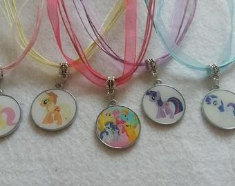 10 Pony Metal Pendants Necklaces Party Favors