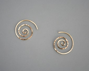 Simple small hammered spiral earrings in gold filled, Rachel Wilder Handmade Jewelry