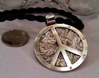 Statement Pendant - Peace Sign