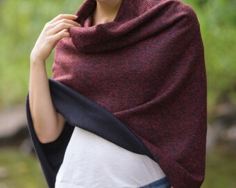 Tweed Poncho in Red
