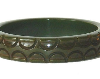 Vintage 1930s Hand Carved Green Bakelite Bangle Bracelet