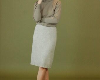 Vintage angora skirt / Casual rabbit fur pencil skirt / Knee length gray wool skirt / 90s lambswool skirt / Minimalist small gray skirt