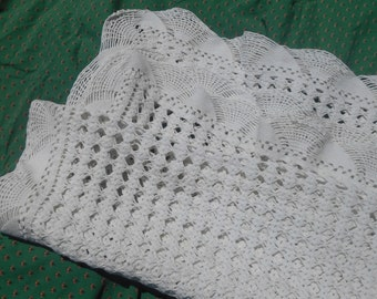 Small White French Hand Crocheted Cotton Throw or Blanket #sophieladydeparis