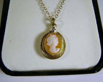 Vintage Mid Century 12KT Gold Filled TLC Carved Shell Cameo Pendant Necklace