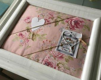 Pinboard White Shabby Roses
