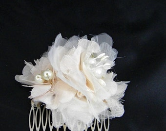 Champagne hair flower, Blush hair comb, Vintage style headpiece, Bridal Hair Piece, Wedding Accessory Bridal Accessories