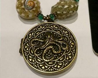 Beautiful Handmade One of a Kind Steampunk Octopus Locket Necklace Bracelet Earring Set