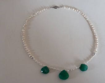 Emerald with freshwater pearl necklace