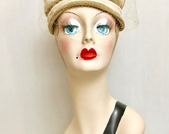 Ladies 1950s Two Tone Turban Style Hat with Net Veil   VG3221