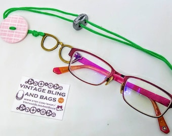 Adjustable Handmade glasses necklace, pink button glasses lanyard pendant, green glasses chain, glasses chain lanyard, green Glasses holder