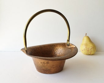 Vintage Hammered Copper and Brass Basket, Decorative Metal Basket, Coppercraft Guild Copper Basket