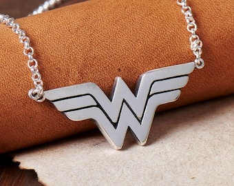 925 Sterling Silver Wonder Woman Necklace Pendant Jewelry