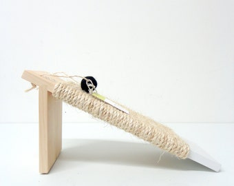 Angled cat scratcher - Modern design, Natural wood and sisal in white, animalove
