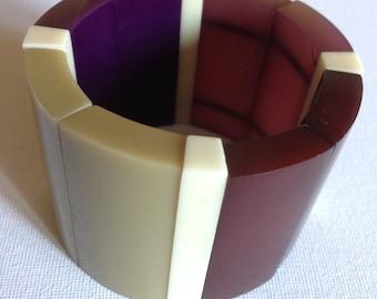 Bracelet  -  Chunky and large purple cream red beige plastic elasticated bangle bracelet retro design