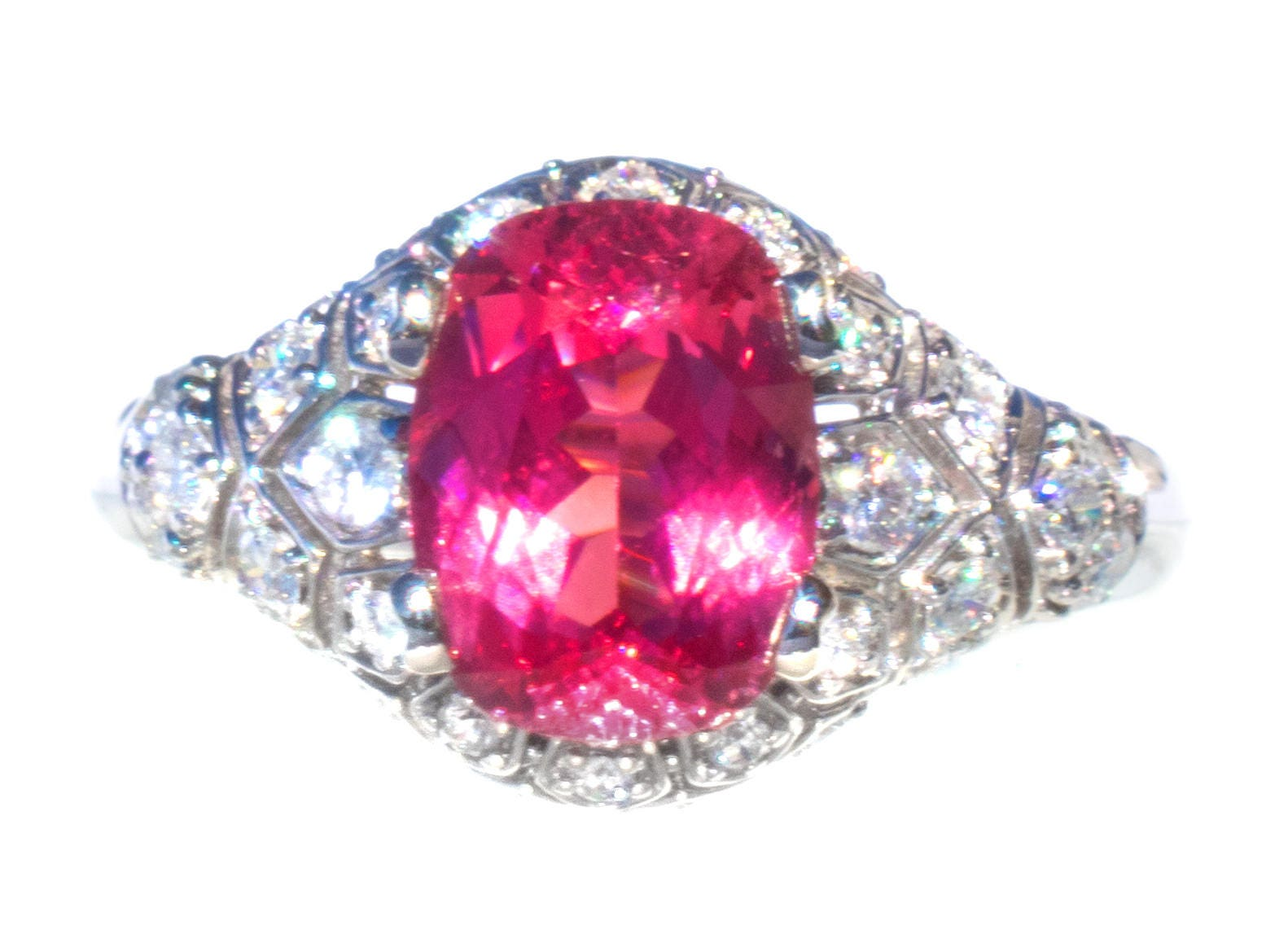 VERY RARE 2.47 ct Natural Mahenge Spinel & Diamond 18K Ring