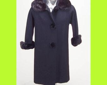 Wool Coat Fur Collar Vintage Ladies 1940s Black fur Black coat Original Owners