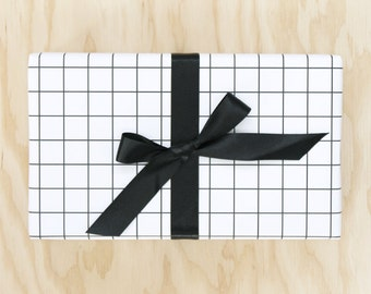 Black and White Grid Wrapping Paper / Graph Paper Gift Wrap / Modern Windowpane / Masculine Wrapping Paper / Masculine Gift Wrap for Guys