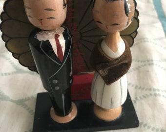 Wooden Bobble Head Japanese Couple Statue