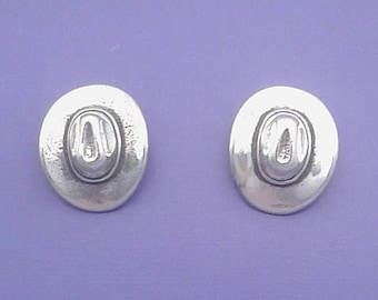 COWBOY HAT EARRINGS, Post Stud .925 Sterling Silver - se651
