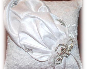 """CLEARANCE! Wedding Ring Pillow - """"Old Lace"""""""