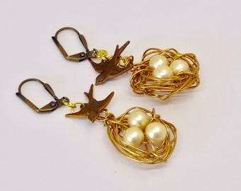 Bird Nest Earrings,  Brass Nest Earrings, Pearl Earrings,  Wire Egg Nest Earrings, Wire wrapped birds nest, Nature jewelry. Gift for mother
