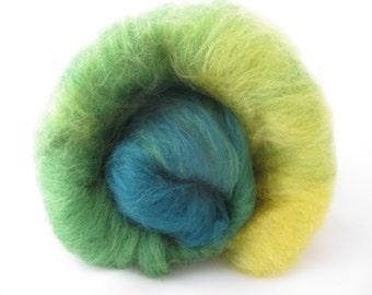 Merino Gradient Batt 40g Green and Yellow/Luxury Spinning Fiber/Ombre Spinnning Fiber/Felting Wool