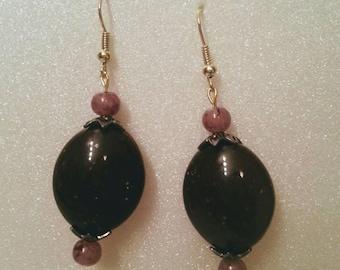 Simple dark brown earrings