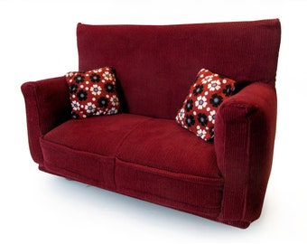 """Barbie Doll Furniture-Sofa with Pillows -1:6 scale-Burgandy with Flower print fabric pillows-also works w/Blythe and 11"""" fashion doll"""