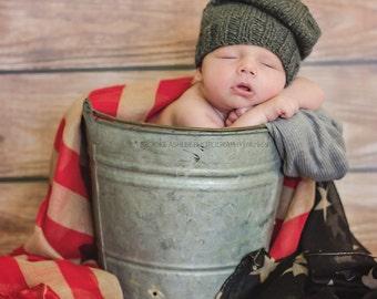 Newborn photo prop, newborn hat, newborn boy, newborn girl, knit newborn hat, newborn props, newborn slouchy beanie. Choose your own colors