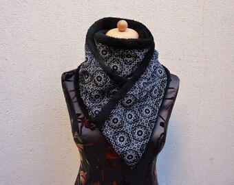 Scarf (snood) soft black and white