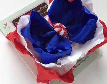 Patriotic Ombre bow -- triple layer ombre bow in red, white and blue, perfect for Summer -- triple layer ruffle hairbow