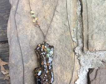 Real Cicada Carcass Oak Bark Pendant, Exoskeleton, Preserved Bug, Oak Tree, Insect, Bug Pendant, Stone and Cord, Entomologist, Resin, Oddity