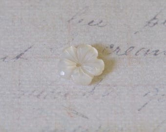 Engraved mother of Pearl 9mm flower bead