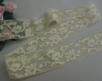 FREE SHIPPING 1-1/2 Yds Vintage Antique Lace Trim Cotton