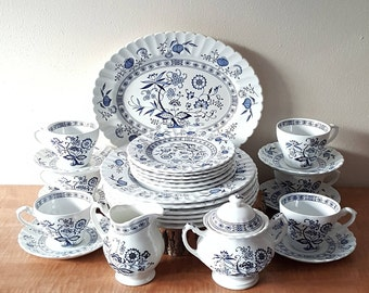 Blue Nordic Meakin Set of 27 Pieces Service for Six Made in England