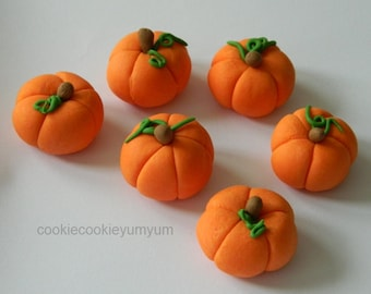 12 edible 3D PUMPKINS PETER Rabbit vegetable fall harvest autumn garden cake cupcake wedding topper decoration wedding birthday engagement